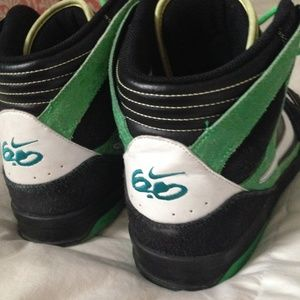 1b1c74198b90bf Nike Shoes - NIKE 6.0 Zoom Oncore in Green - Black - Yellow